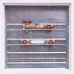 Sestava se zónovým ventilem / skříň 500 x 500 x 110 mm